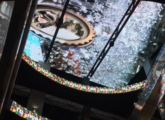 """Светодиодный потолок в торговом центре """"Нора"""" изображение 3"""