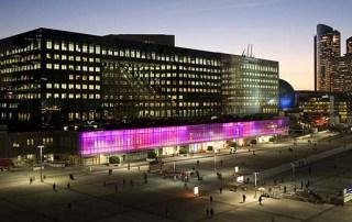 Роль светодиодных экранов в торговых центрах